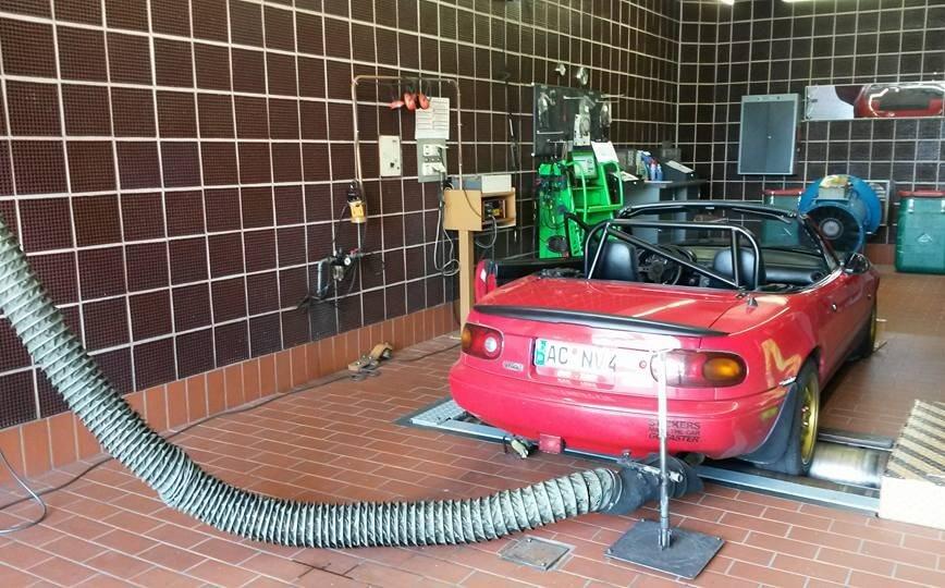 Leistungsprüfung an einem Mazda MX-5